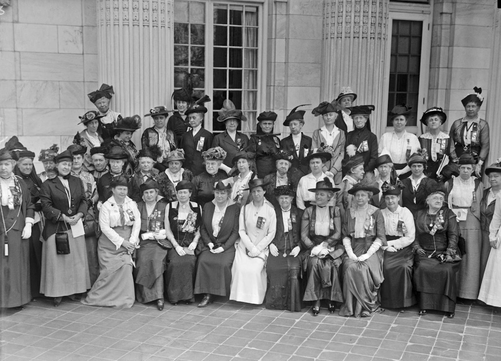 daughters-of-the-american-revolution-new-jersey-delegation-1915